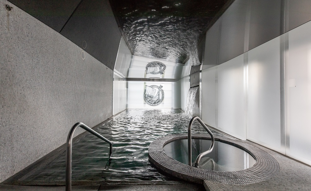 An image of one of the Scandinavian baths at the Scandinave Spa Old Montreal