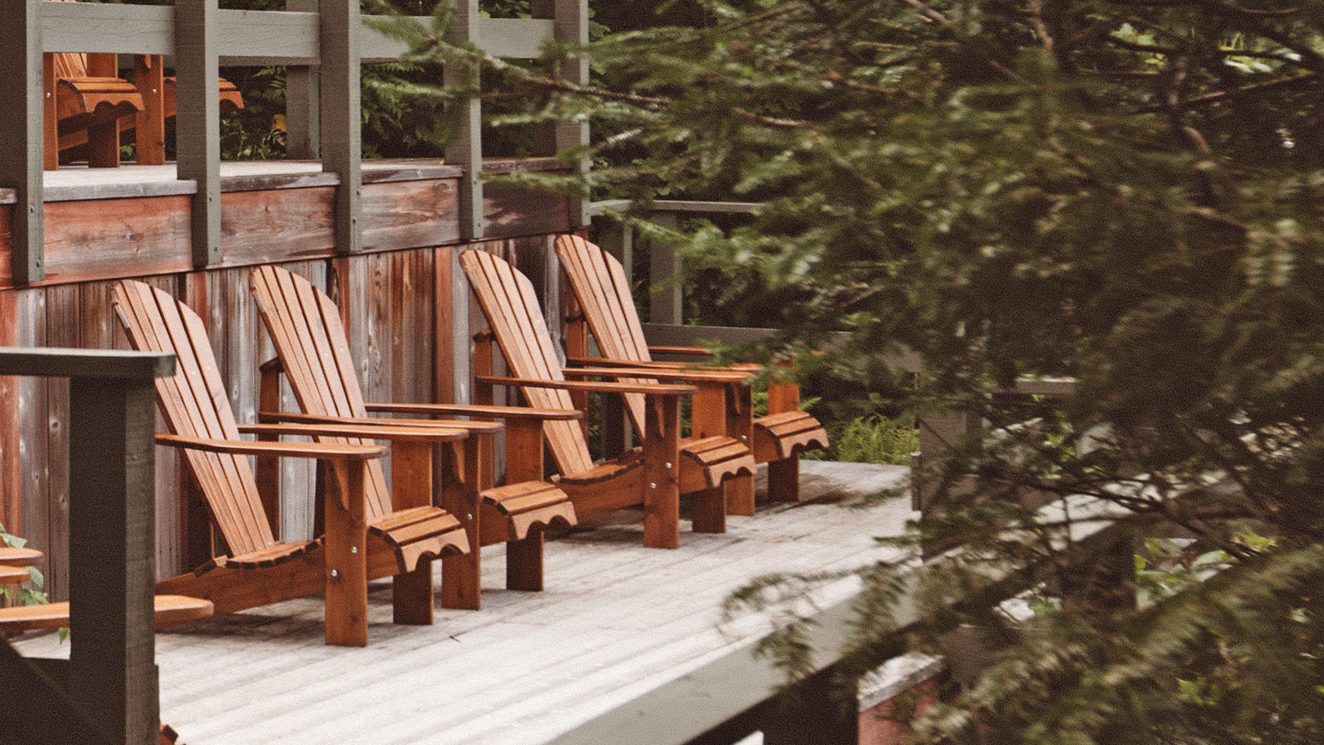 Open spaces on the outdoor terraces at Scandinave Spa Mont-Tremblant.