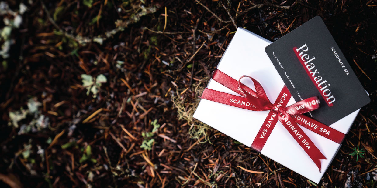 Gift Card and Gift Box with the words Mother's Day Giveaway