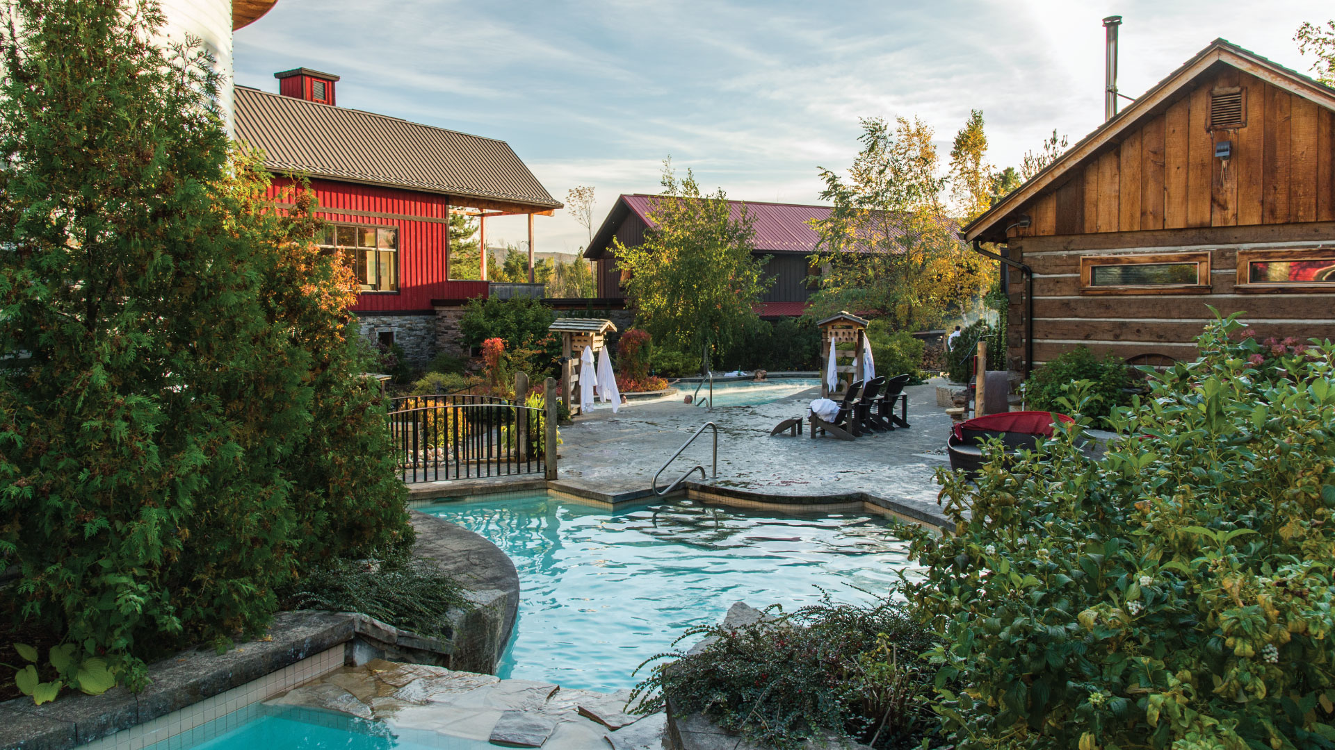 Fall overview of the Baths at Scandinave Sap Blue Mountain